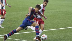 Joaquín Zeballos, cedido por el Girona para ser el 9 del filial, aún no ha logrado estrenar su cuenta
