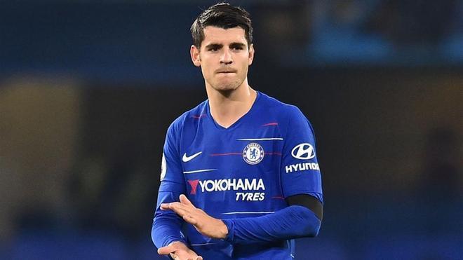 Morata, con pie y medio fuera del Chelsea