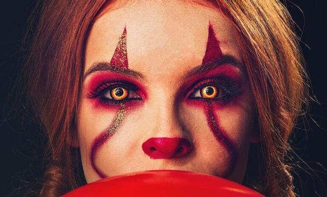 Lentillas, caretas, maquillaje, purpurina… lo que dice el médico sobre los disfraces de Halloween