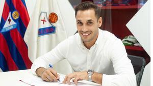 Su contrato concluía en 2022 pero el club y él han llegado a un acuerdo