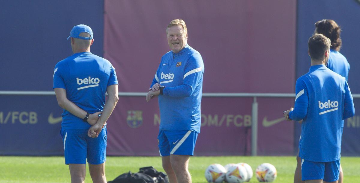 Ronald Koeman, en el entrenamiento previo al Barça - Levante