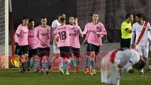 Los jugadores del FC Barcelona celebran el gol durante el partido de octavos de final de Copa del Rey entre el Rayo Vallecano y el FC Barcelona disputado en el Estadio Vallecas.