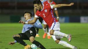 Enfado monumental en Chile por un posible penalti de Coates no pitado
