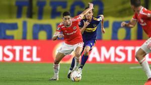 Bruno Praxedes jugando en La Bombonera en partido de Libertadores