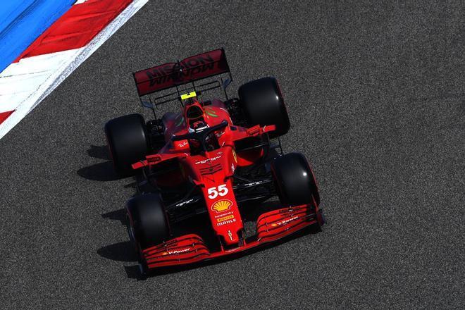 Sainz, en pista con el Ferrari SF21