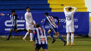 El golazo del Alcoyano en el 114 que elimina al Real Madrid