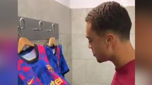 Así fue la reacción de Sergiño Dest al ver la nueva equipación del FC Barcelona