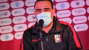 El seleccionador interino de Venezuela, Leonardo González.