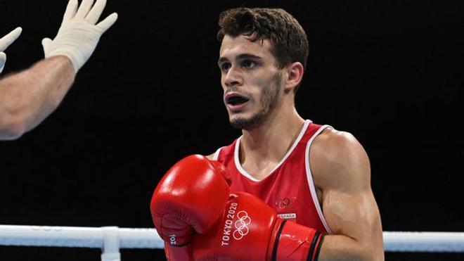Polémica derrota de Gabriel Escobar que se queda sin luchar por las medallas