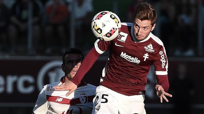 Ivan Balliu, jugador catalán del Metz, puede debutar este viernes con Albania
