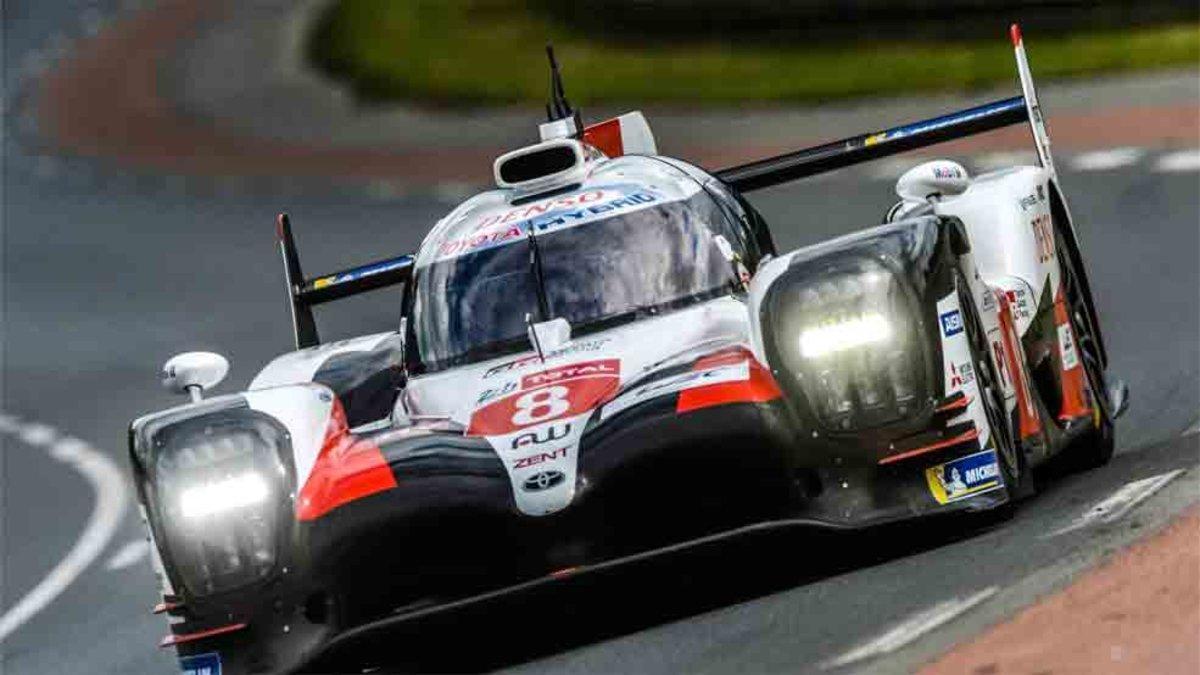 Alonso, en acción en el circuito de La Sarthe
