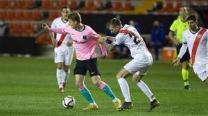 De Jong, en un lance del partido en Vallecas