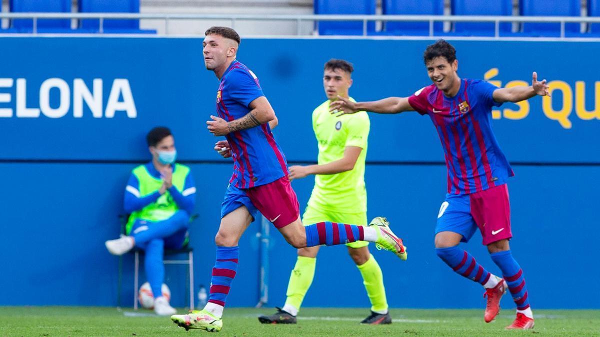 El GOLAZO en mayúsculas con el que la perla Aranda ha abierto la victoria del Barça B