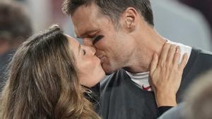 El beso de Gisele Bündchen y Tom Brady en la Super Bowl 2021 se hace viral