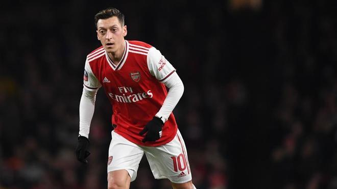 Mesut Özil sigue siendo noticia por su actividad en las redes sociales