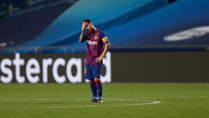 Leo Messi se fue cabizbajo del estadio Da Luz tras el Barça - Bayern