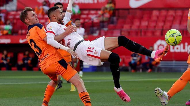 Imagen del duelo entre Sevilla y Valencia