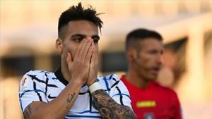 Lautaro Martínez lamenta una ocasión fallada en la Coppa Italia