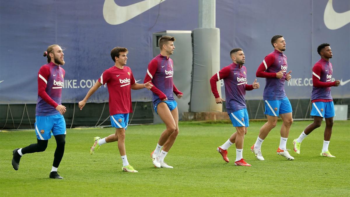 El Barça prepara el partido ante el Valencia con la ausencia destacada de Araujo