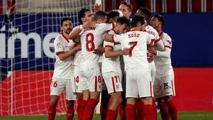 El Sevilla gana a Osasuna y se pone tercero en la clasificación por delante del Barça