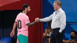 Messi y Koeman se dan la mano en un partido de pretemporada