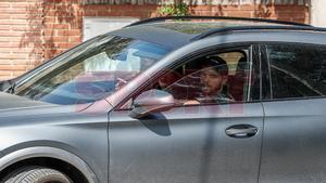 Martin Braithwaite y su mujer llegan a casa de Messi
