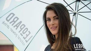 Sofia Novello trabajando de azafata en el Mundial
