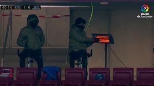 El curioso calentamiento de los jugadores del Atlético de Madrid para resguardarse del frío