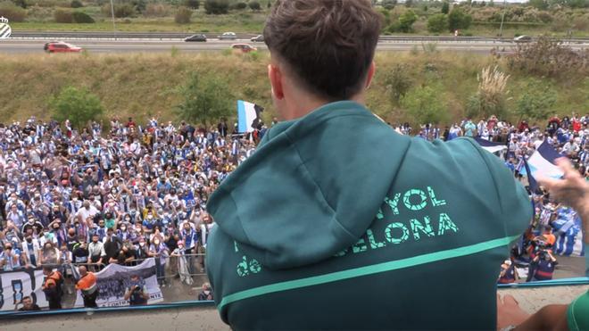 ¡Multitudinario recibimiento al Espanyol campeón!