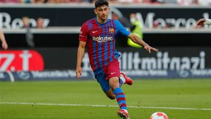 Yusuf Demir, la gran novedad ante el Granada