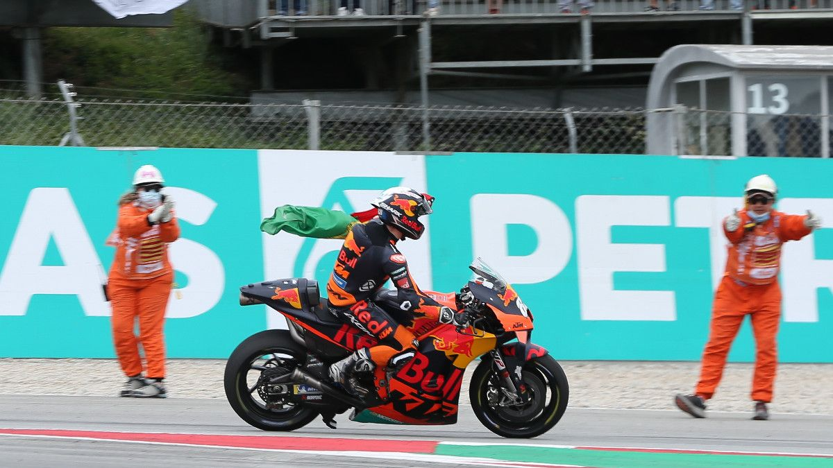 Oliveira se impone en el Circuit
