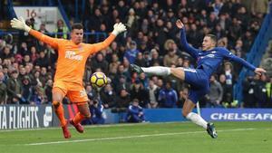Harry Kane remata ante el meta del Newcastle Karl Darlow