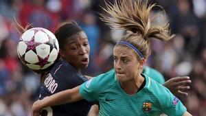 Alexia Putellas en un partido contra el PSG en 2017