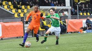 Bogarde durante un juego con Holanda sub-15