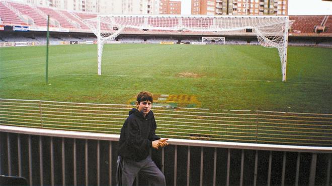 El pequeño Messi, poco después de llegar a Barcelona, en el Mini