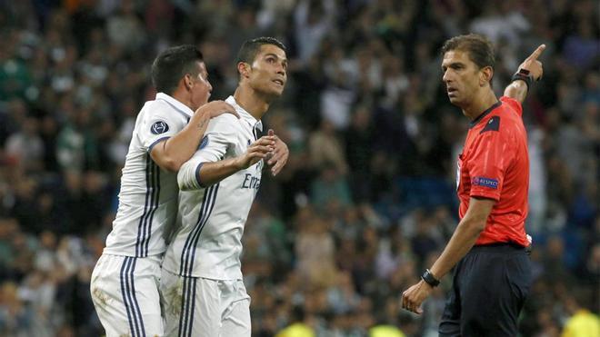 Los árbitros están beneficiando esta temporada al Real Madrid en todas las competiciones