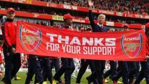 Wenger lleva veinte años al frente del Arsenal y todo apunta a su continuidad