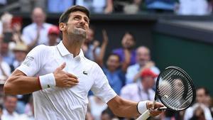 Nole celebra el triunfo en Wimbledon