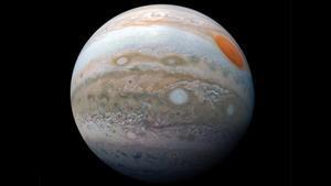 Júpiter muestra un comportamiento anómalo