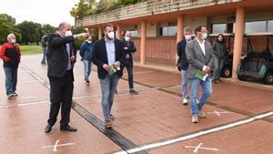 El Secretari de lEsport, Gerard Figueras, conocióde primera mano las medidas implantadas en Golf Montanyà