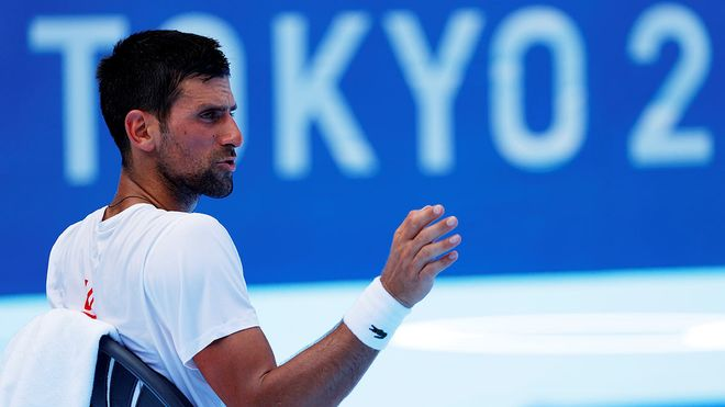 Djokovic, tras un entrenamiento en Tokio