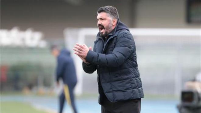 Gennaro Gattuso durante un partido con el Nápoles