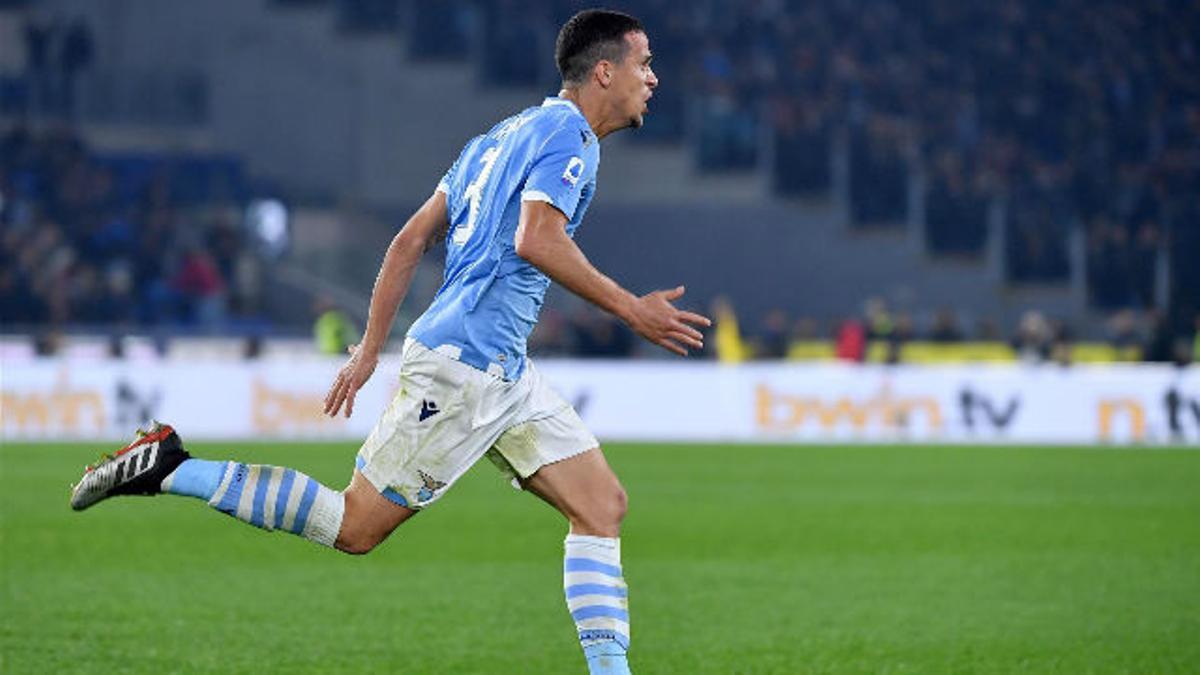 Así juega Luiz Felipe, central de la Lazio que interesaría al Barça