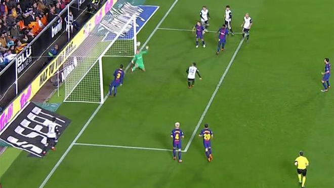 LACOPA | Valencia-Barça (0-2): La mano inverosímil de Cillessen