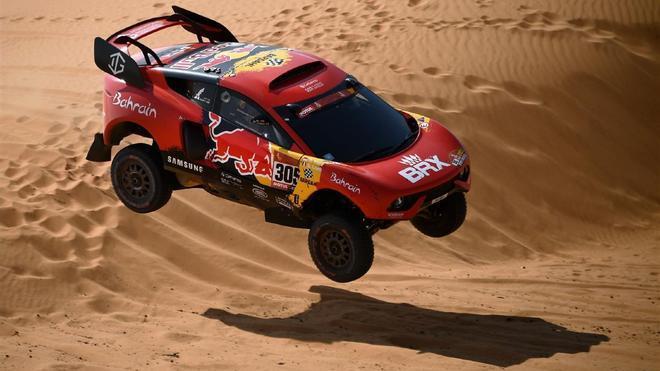 Imagen de Sebastian Loeb durante el Dakar 2021