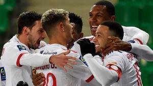 Papel destacado de Memphis Depay en la goleada del Lyon sobre el Saint-Étienne