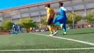La imagen más antideportiva en un partido de cadetes en Catalunya. ¡Esto no se puede repetir!