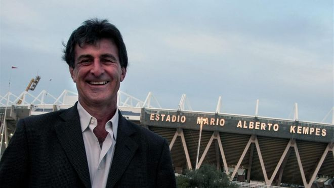 Kempes lamenta la situación del Valencia
