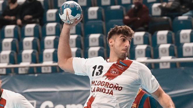 Serradilla durante un partido con el Logroño