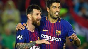 Messi y Suárez se reencuentran en vacaciones, y atentos al bañador del uruguayo